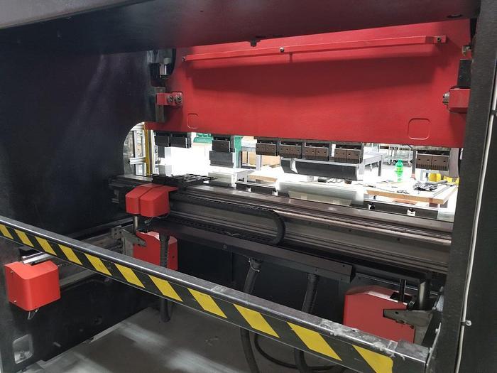 2001 88 Ton Amada HFE 80-25S CNC Press Brake
