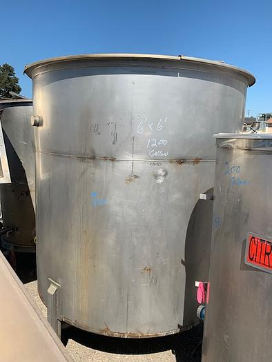 1200 Gallon Vertical Stainless Steel Tank