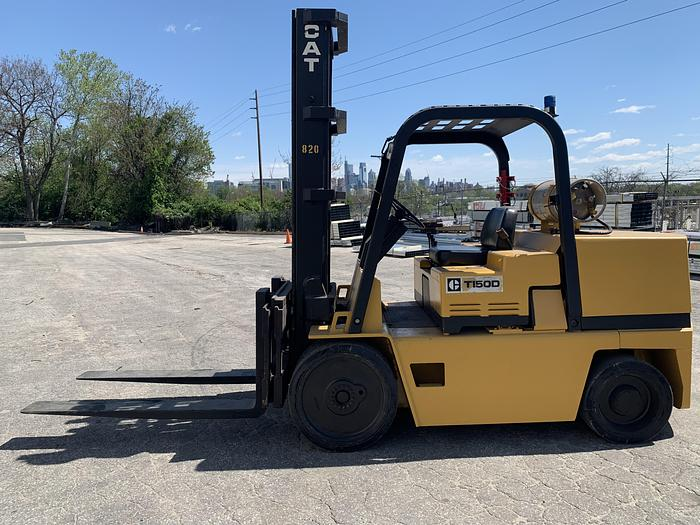 Used 15,000 LB CATERPILLAR MODEL T150D FORKLIFT W/ SIDE SHIFT