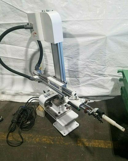 Used Yushin V-HOP 550X High Speed Robot Sprue Picker Pick & Place Gate Remover