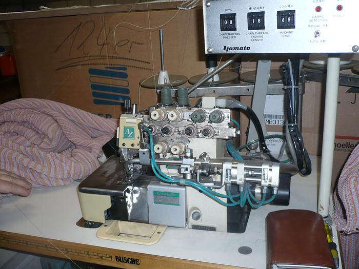 Gebraucht Overlockmaschine YAMATO  AZ620-y6DF 2 N/4 Fd.