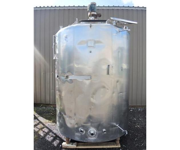 USED 1200 GALLON TANK, STAINLESS STEEL, INSULATED, WITH 2 HP MIXER
