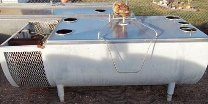 Used 250 gallon MILKEEPER milk bulk cooling tank - Flat top tanks Equipment
