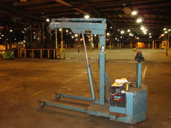 2,500 Lb CLARK Electric Lift