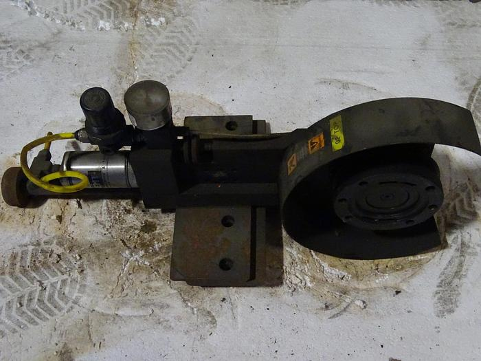 Used MANUAL SLITTING AIR KNIVES WITH HOLDERS (8 AVAILABLE)