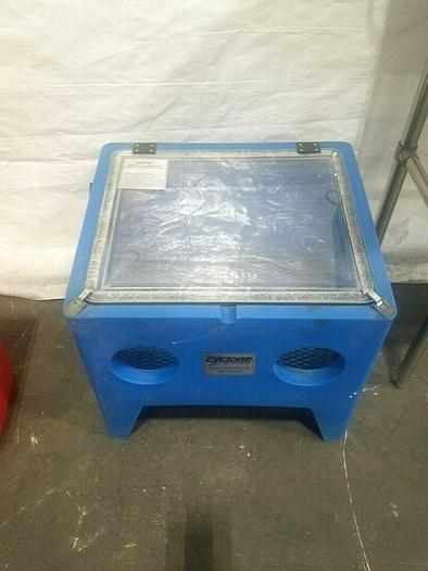Used Cyclone Sandblasting Cabinet