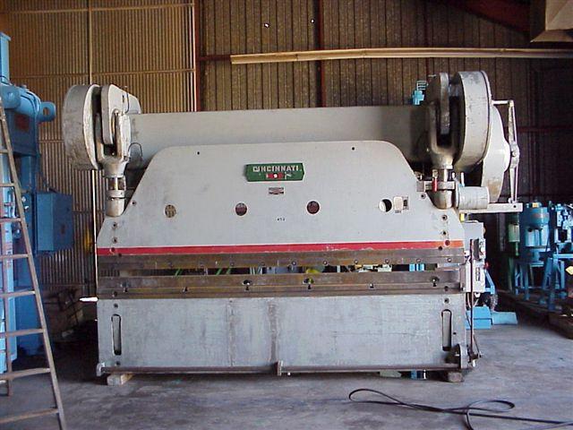 225 Ton x 12 ft Cincinnati #9 Press Brake; Auto-Cycle