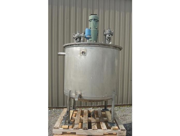USED 210 GALLON TANK, STAINLESS STEEL WITH 0.3 HP MIXER