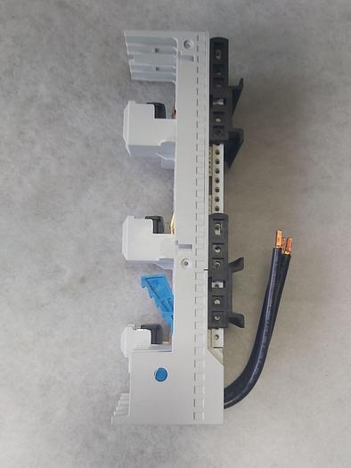 4 Stk. Sammelschienen Montageplatte, LA9ZA32434, 690V, 32A, Schneider,  neuwertig