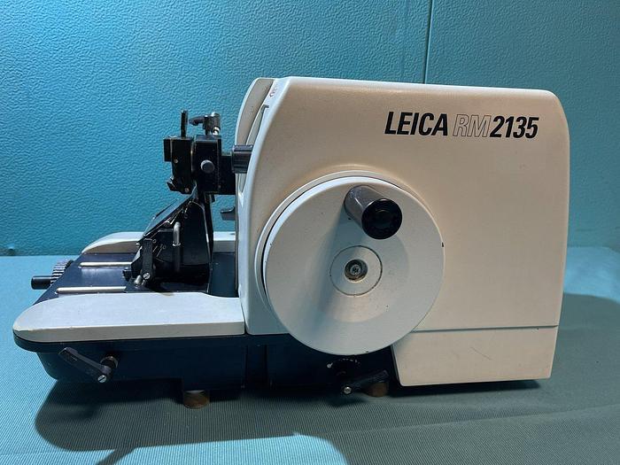 Gebraucht Leica RM 2135 Rotationsmikrotom