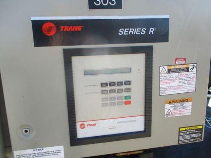 2001 TRANE MODEL RTHC1C2F 300 TON CHILLER WITH DUAL HELICAL ROTARY COMPRESSORS