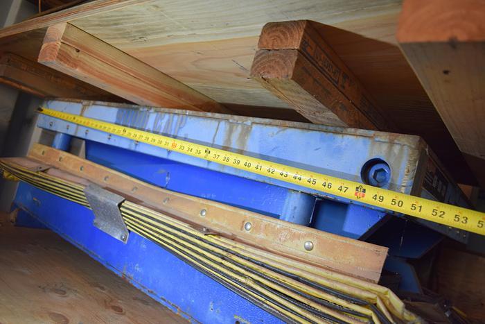 Used 9,000 LBS scissor lift , Globe model TX -9 -18, used Globe 9k scissor lift