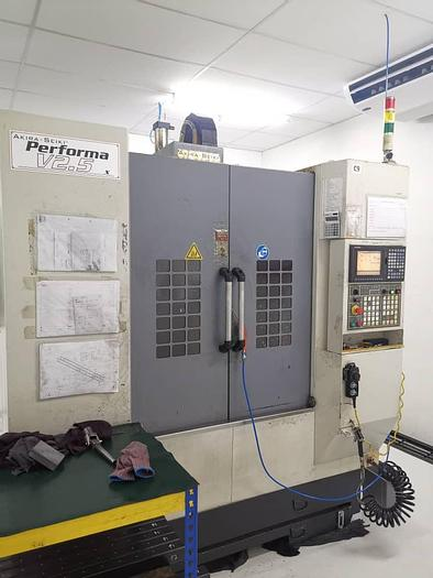 Used 2008 AKIRA SEIKI V2.5XP CNC MILLING MACHINE CENTER