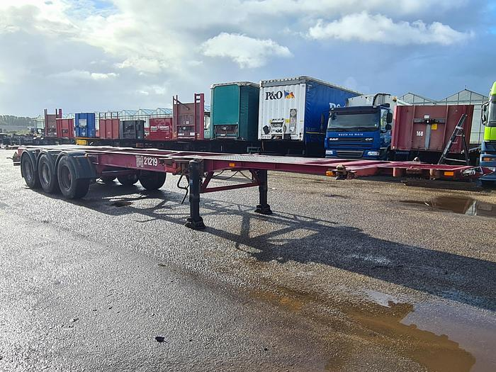 Used 1999 Latre OC38/96RE Container chassis 40ft. / 20ft.