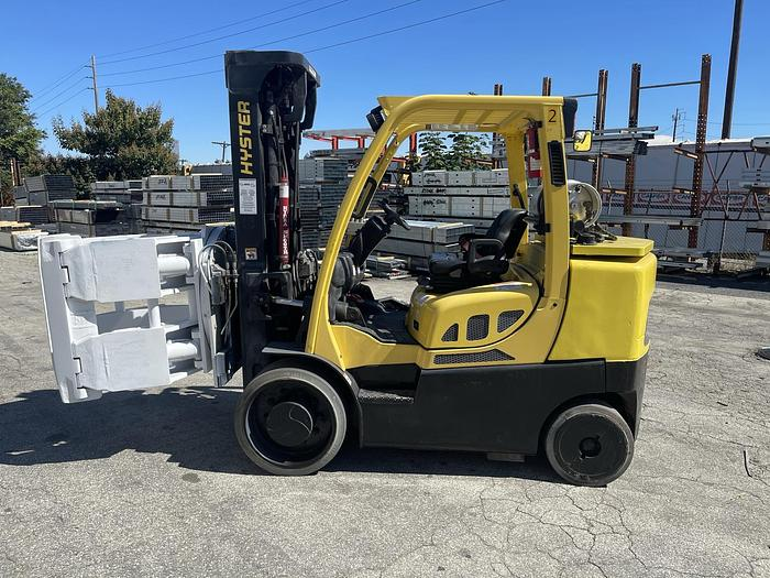 """Used 13,500 POUND HYSTER FORKLIFT WITH 60"""" CASCADE ROLL CLAMP"""
