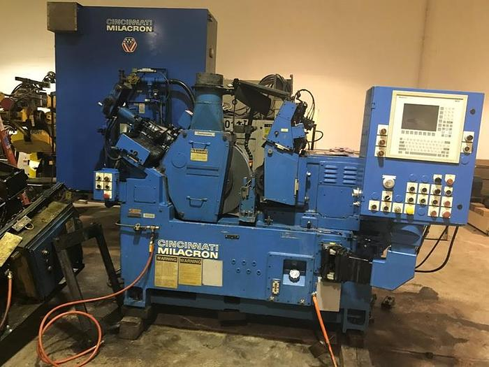 CINCINNATI MODEL 220-8 CENTERLESS GRINDER WITH PLC CONTROLS
