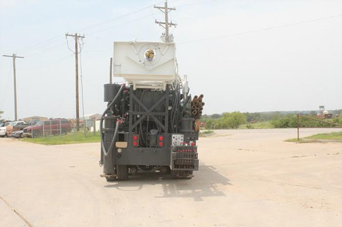 1992 Chicago Pneumatic Drilling Rig
