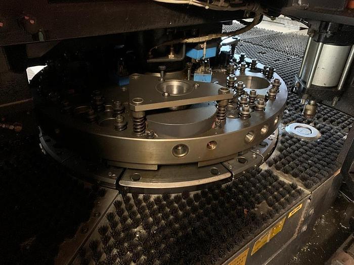 1998 22 Ton Amada Vipros 255 CNC Turret Punch