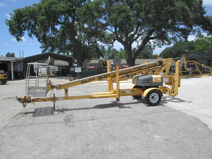 Used 2006 BIL-JAX Model 3632T Electric Towable Manlift