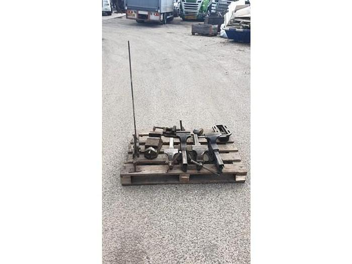 Used SEVERAL VISE 5, 1 STEEL CUTTER