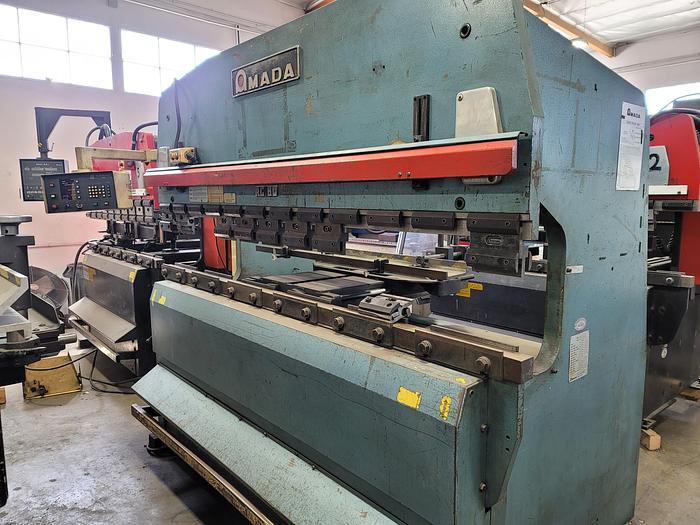 Used 1980 88 Ton Amada RG80 CNC Press Brake