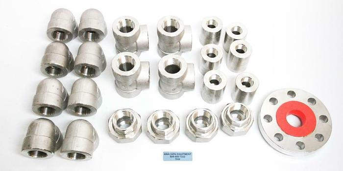 Used 3M Enlin SA182 316L StainlessSteel Threaded Flange, Sockets, Elbows Tees Lot7044