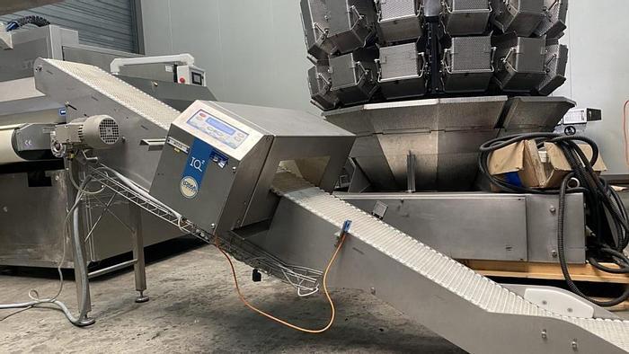 Used Loma metaldetector on incline belt