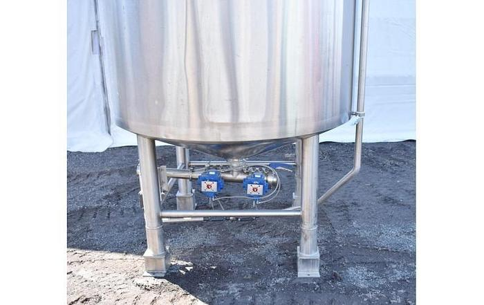USED 1000 GALLON STAINLESS STEEL MIX TANK, SANITARY & INSULATED WITH LIGHTNIN SERIES 10 MIXER