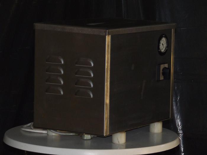 Nastrzykiwarka ręczna z uchwytem jedno lub wieloigłowym