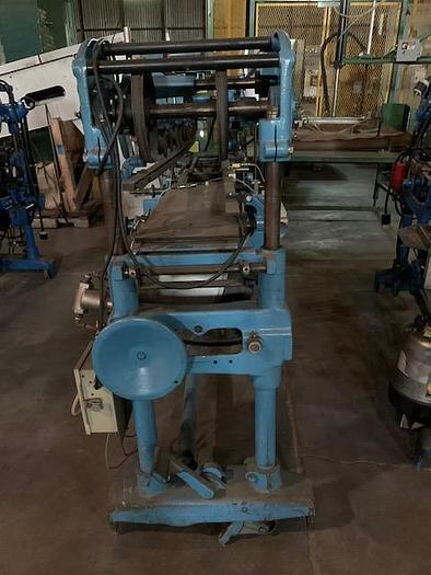 Standard -Knapp Roll-Through Can Labeler HOR-3