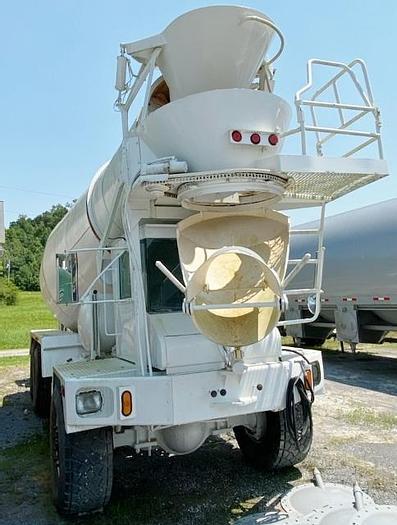 Used 2004 TEREX/Advance 4-Axle Concrete Mixer Truck