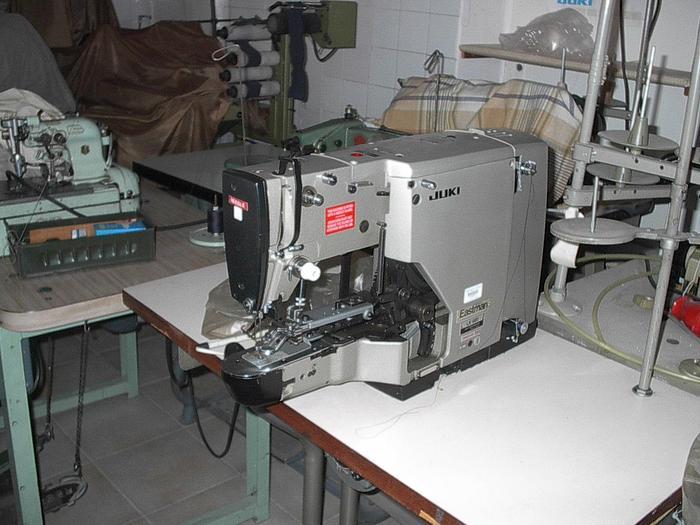 Gebraucht Knopfannähmaschine  JUKI  LK-981 2-4-Loch, Öse