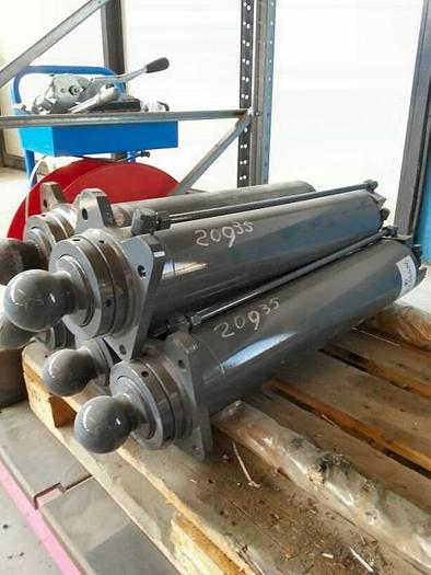 TEREX Outrigger Cylinder  A300