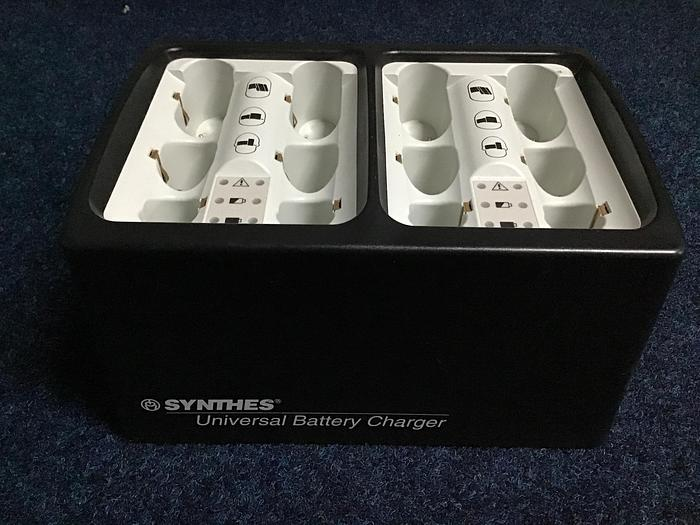 Used Synthes universal battery charger 530.601