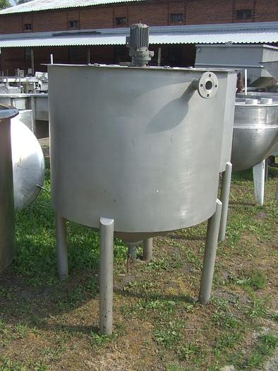 Używane Zbiornik okrągły, jednopłaszczowy, nierdzewny, na nogach, ze stożkowym dnem z centralnym dolnym spustem z mieszadłem