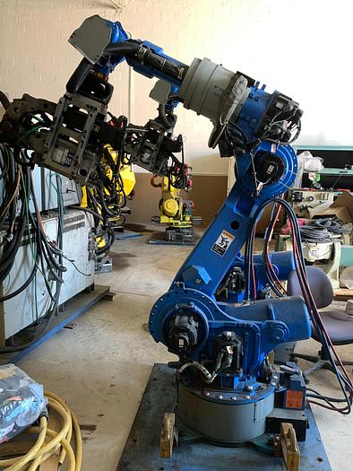 Used YASKAWA MOTOMAN ES165D 6 AXIS CNC ROBOT WITH DX100 CONTROLLER