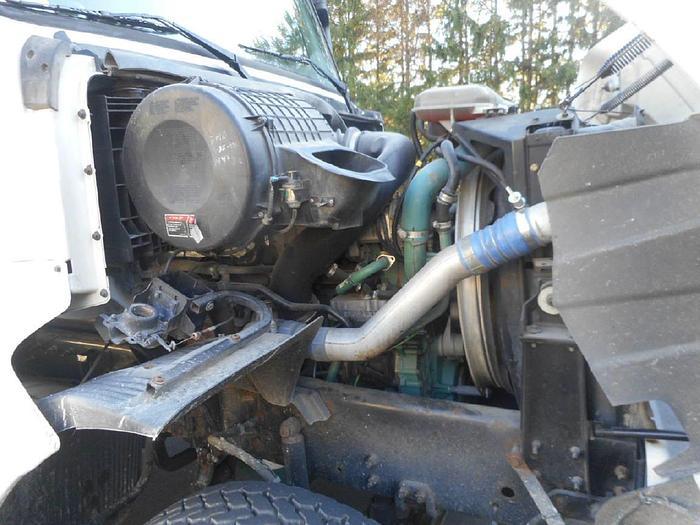 2005 Volvo Septic Tanker- Stock #: 8619