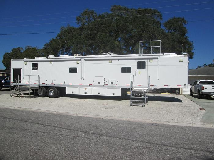 Used 2005 Farber Specialty Command Center Trailer