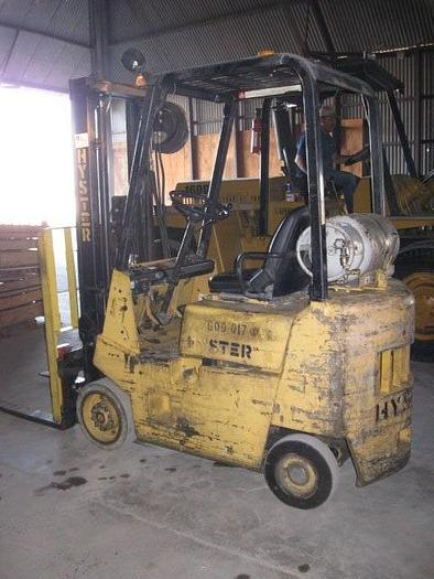 Used 3,500 lb. Hyster Model S30XL LPG Forklift With Side Shifter And Monotrol Transmission; S/N B010B06984K