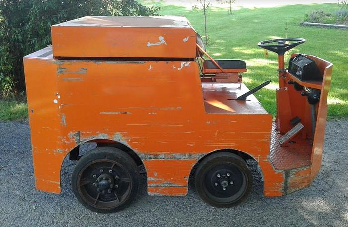 Used Taylor Dunn Tow Tractor P2-50 - Only 1467 Hours
